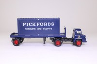 Corgi Classics 30501; Ford Thames Trader; Artic Flatbed; Pickfords, Container Load