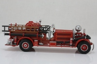Matchbox Collectibles YSFE04-M; 1927 Ahren's Fox N-S-4 Fire Engine