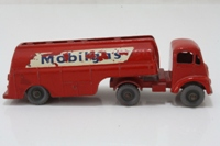 Matchbox Major Pack M8; Mobilgas Petrol Tanker
