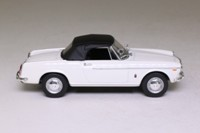 Atlas Editions 4 656 104; 1965 Fiat 1500 Cabriolet; White, Black Hood