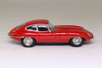 Atlas Editions 4 656 102; 1961 Jaguar E-Type 2+2 Coupe; Red: ATL 1