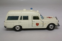 K-6/2 Mercedes-Benz Binz Ambulance (regular wheels)/1
