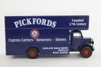 Corgi Classics 97082; Bedford O Series Pantechnicon; Pickfords Express Carriers, Shipley
