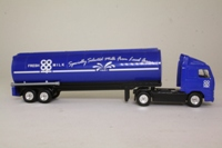Corgi Superhaulers TY86709; Volvo FH 1:64 Scale; Artic Tanker; Co-op Milk