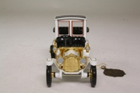 Models of Yesteryear YMSO4-M; 1912 Packard Landaulet; White, Gold Trim