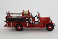 Matchbox Collectibles YFE15; 1935 Mack AB Fire Engine