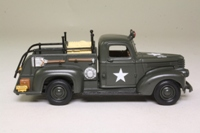 Matchbox Collectibles YYM35189; 1941 Chevrolet US Army Fire Truck