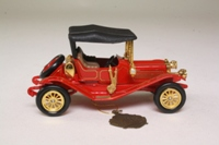 Models of Yesteryear YMSO6-M; 1911 Maxwell Roadster; Red, Black Hood, Gold Trim