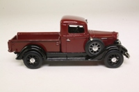 Matchbox Collectibles YTC06-M; 1934 International C Series Pickup