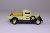 Matchbox Collectibles; 1934 International C Series Pickup