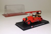 World Fire Engines #102: 1923 De Dion Bouton Fire Engine, France - Depart Incendie