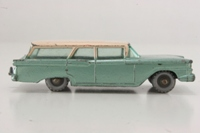 Ford Fairlane Station Wagon - 31