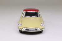 A Century of Cars: 22. Solido 1956 Citroen DS19