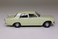 Vanguards VA06000; Ford Zephyr 4 MkII; Lime Green