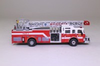 del Prado Fire Engines of the World #128; 2005 Quint Pierce Escape Ladder, Bohemia Fire Dept