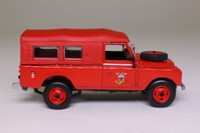 World Fire Engines Series #23; 1975 Land-Rover Series 3, Fire Control Vehicle, France