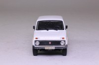 James Bond #116, Lada Niva; The World is Not Enough