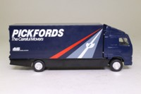 Corgi Classics 59541; Volvo FH 1:64 Scale; Rigid Box Van, Pickfords The Careful Movers