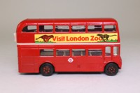 Corgi 469; AEC Routemaster Bus; London Transport; 24 Victoria St; Visit London Zoo