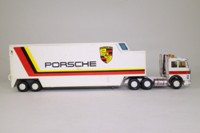 Matchbox Super Kings K-159/1; Iveco Racing Car Transporter