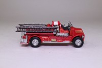 Matchbox Collectibles YFE01; 1920 Mack AC Fire Engine