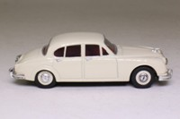 Corgi Classics 96683; 1959 Jaguar Mk.2 3.4 Litre; Old English White