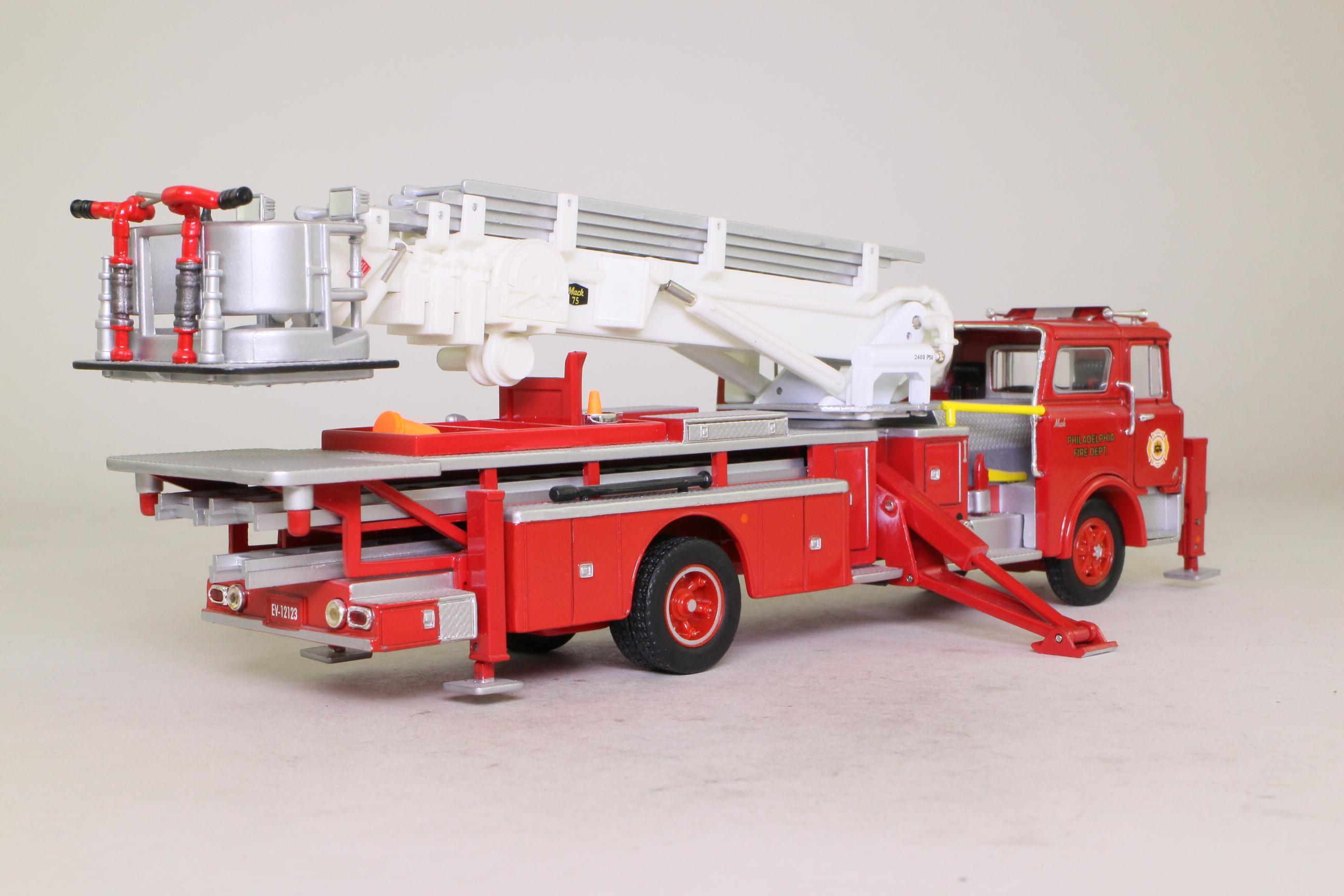 corgi classics us53803 mack cf ladder fire truck tower ladder